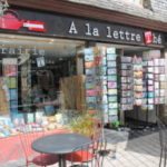 a-la-lettre-the-salon-de-the-librairie-1-300x200